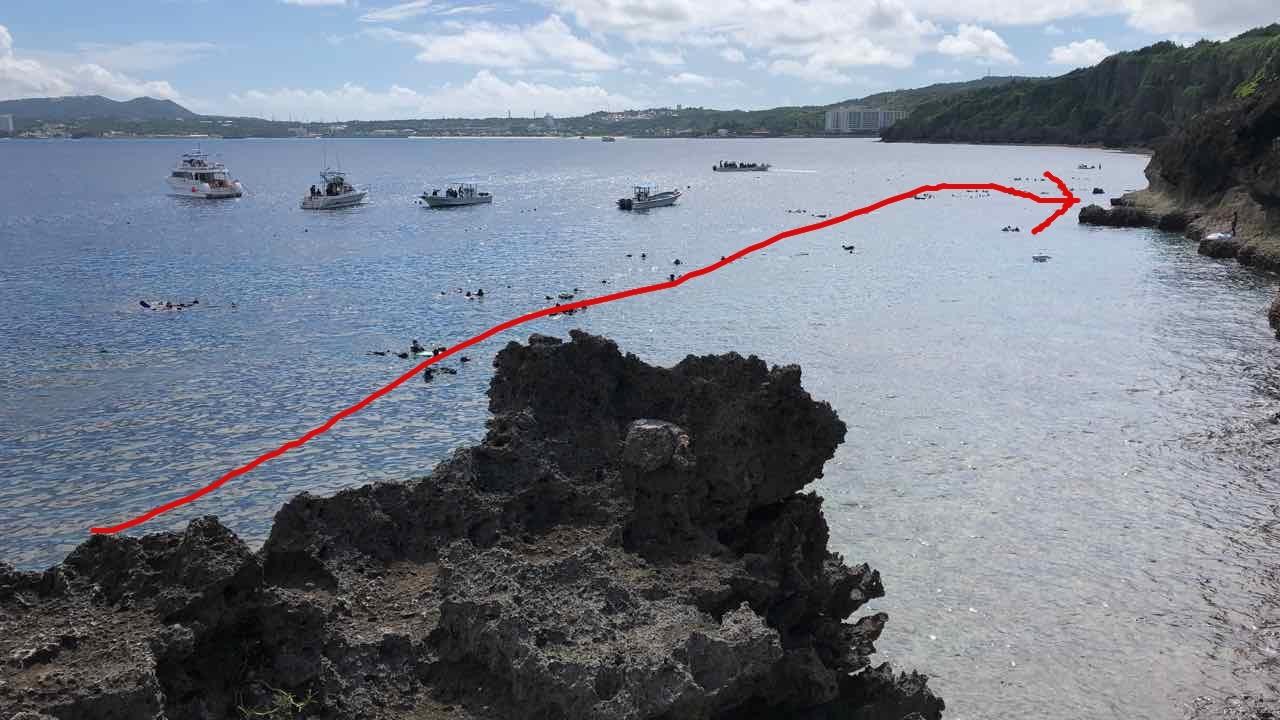 真栄田岬から青の洞窟まで泳ぐルート