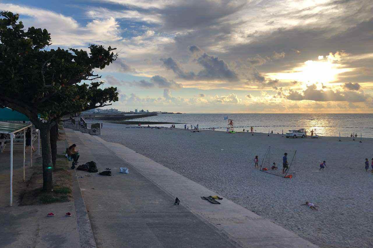 宜野湾トロピカルビーチの夕日